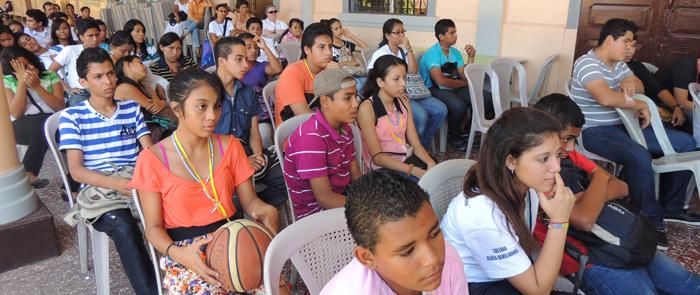 Forum des jeunes au Nicaragua © Communauté de l'Emmanuel 2013
