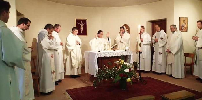 Rencontre des curés © Communauté de l'Emmanuel 2014