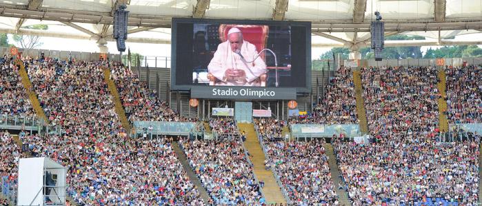 Rencontre du pape avec le renouveau charismatique © Communauté de l'Emmanuel 2014