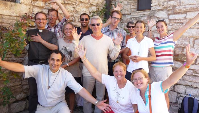 Equipe itinérante de missionnaires © Communauté de l'Emmanuel 2014