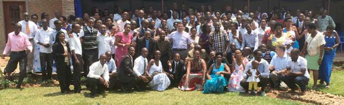Voyage de Laurent Landete au Burundi, septembre 2014 « La Communauté du Burundi est celle qui a augmenté le plus vite. Elle est passée de 10 frères et sœurs à 150 en six ans ».
