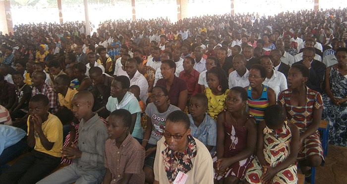 Forum des jeunes au Burundi © Communauté de l'Emmanuel 2014