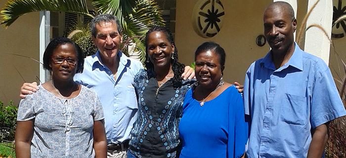 René Sanson avec les responsables de la Communauté aux Antilles.