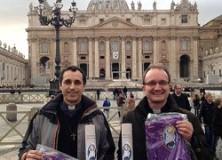 Trois prêtres de l'Emmanuel envoyés par le pape comme missionnaires de la miséricorde