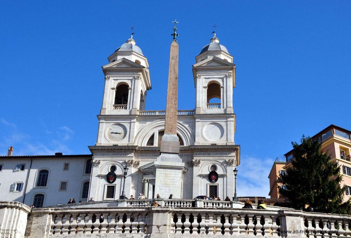 La façade de l'église de la Trinité des Monts. © www.all-free-photos.com
