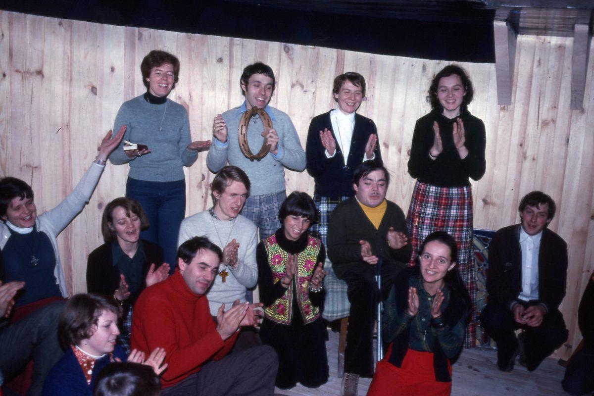 Rencontre fraternelle sur la péniche – 1976