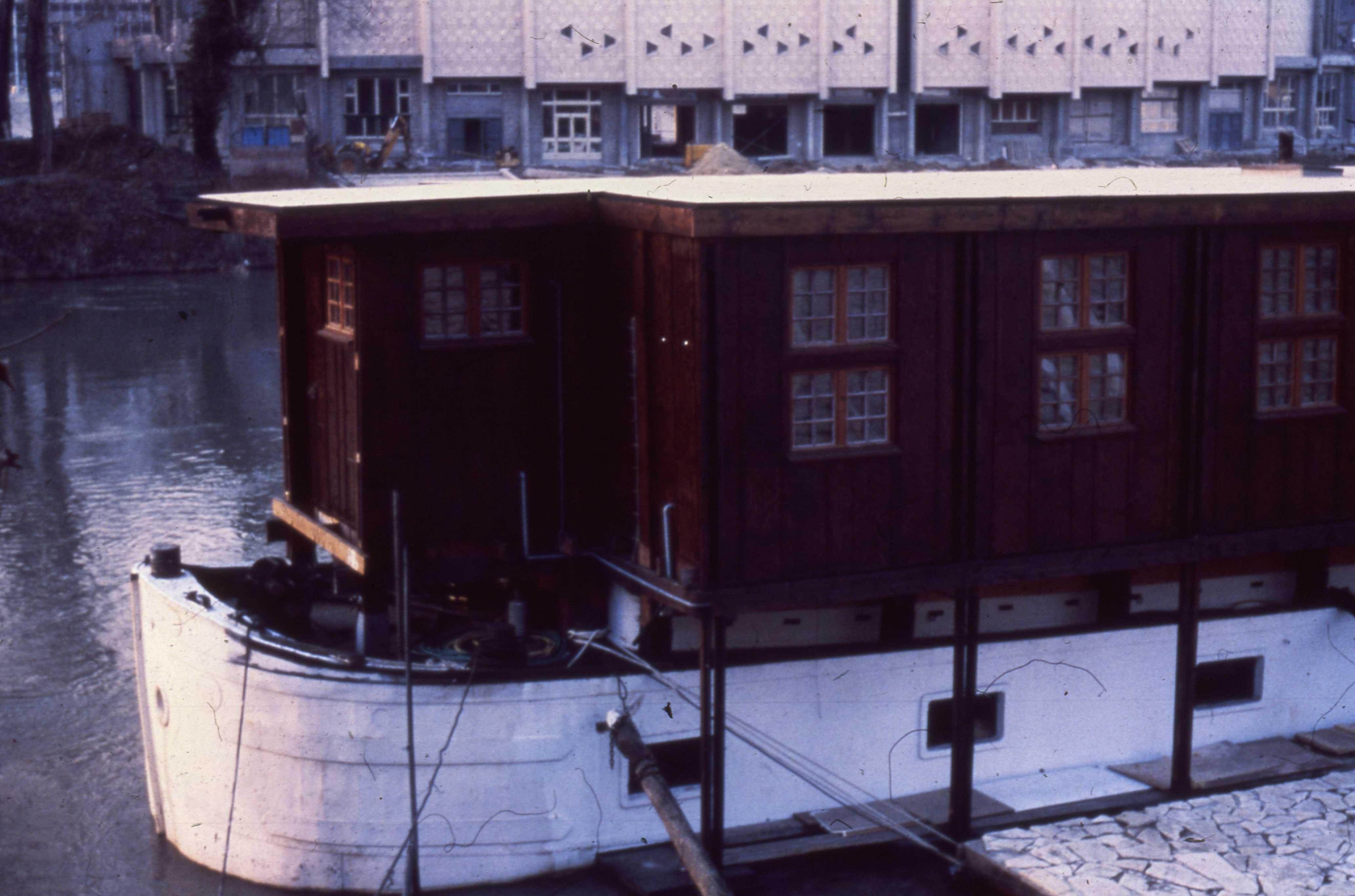 Vue externe de la Péniche – 1979