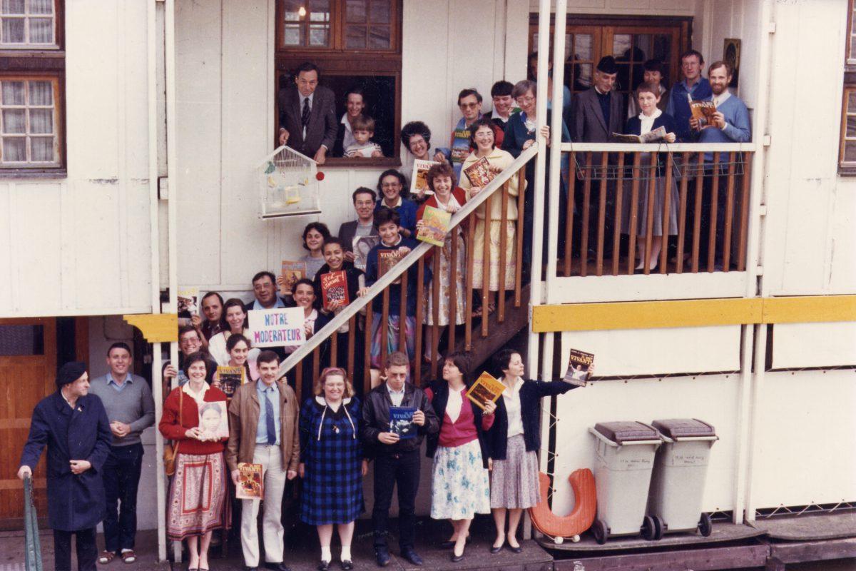 Les permanents devant la péniche – 1986