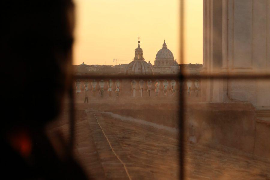 Vue sur Rome au soleil couchant depuis la Bibliothèque