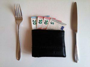 money 2159310 1280