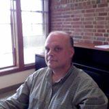 Philippe Gagnon, docteur en théologie et docteur en philosophie des sciences, enseigne au Centre Théologique de Meylan-Grenoble. Il intervient également dans les programmes d'ingénierie biologique et de bioéthique à l'Université Catholique de Lyon.