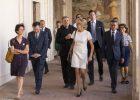 2018-06-26 – Brigitte Macron à la Trinité des Monts – dans le cloître