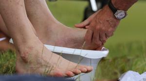 Vignette lavement pieds grande 1